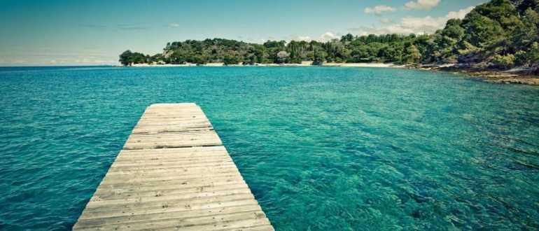 Описание пляжа бухты Kurent в Ровине