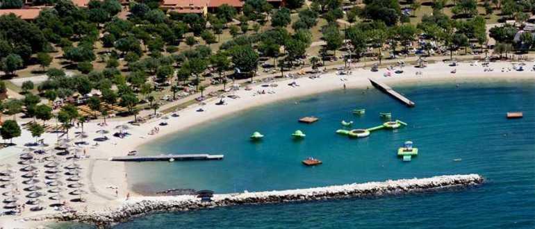 Пляж острова Valalta в Ровине