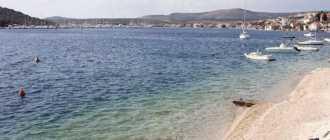 Пляж Kopara в Рогознице