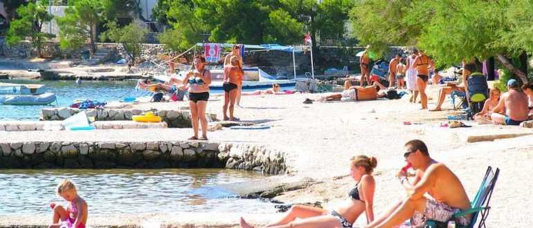 Пляж Crljina beach в Рогознице