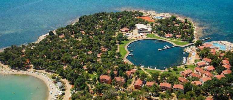 Пляж Laguna Stella Maris в городе Умаг