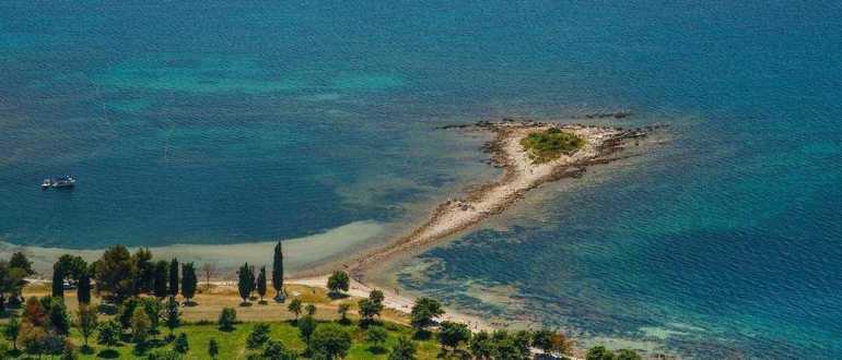 Пляжи Katoro и Polynesia в Умаге
