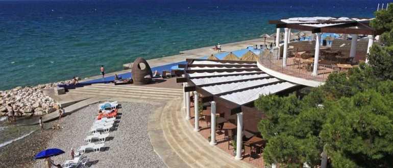 Пляж Солярис в Шибенике