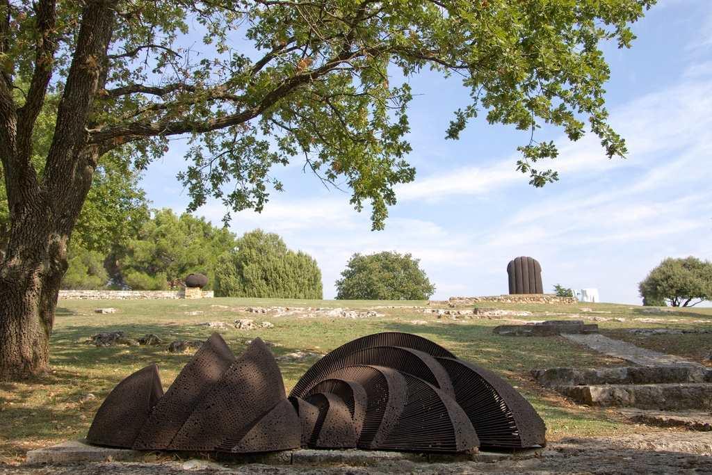 Парк скульптур Душан Джамоня в Врсаре