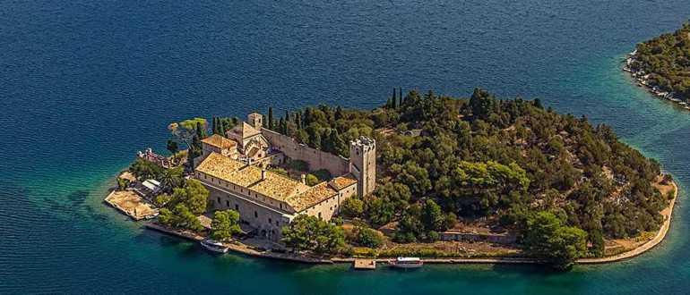 Монастырь Св. Марии на острове Млет