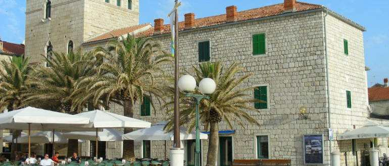 Дворец Доминис в городе Раб