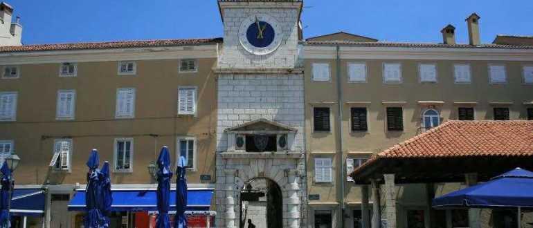 Тройные ворота города Црес