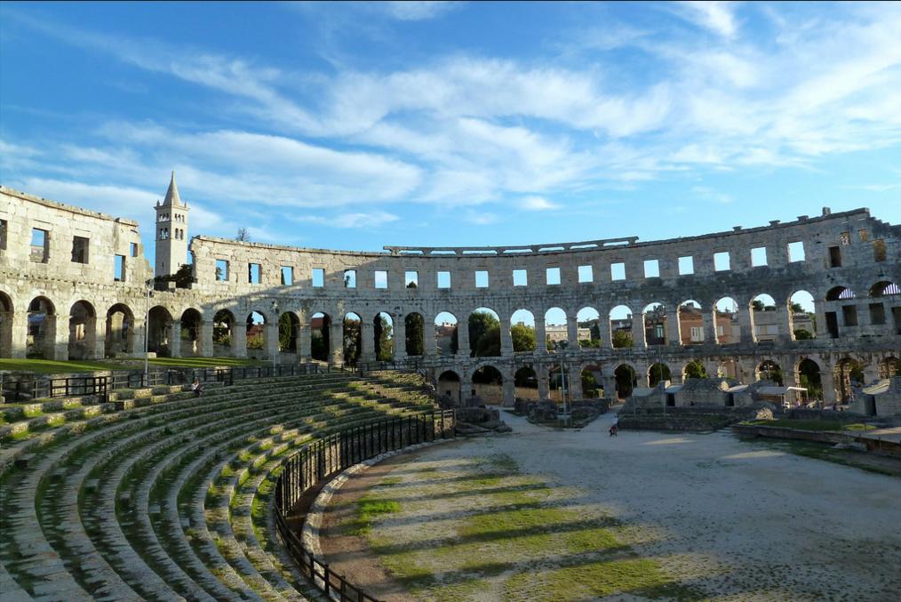 Древнеримский амфитеатр Пулы