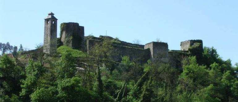 Руины Херцег башни