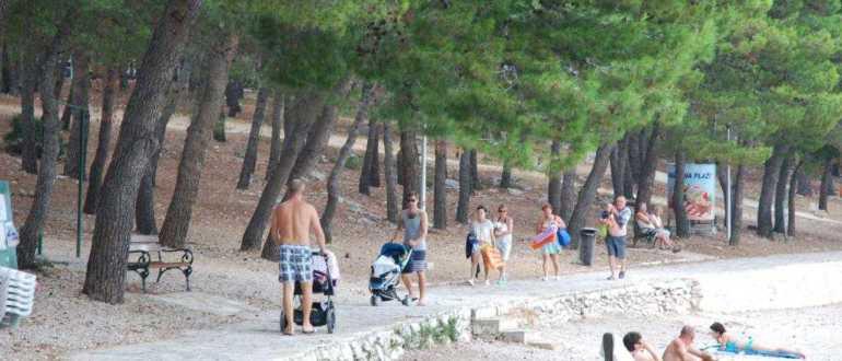 Пляж в бухте Vela Raduca