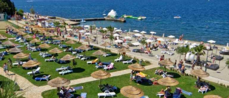 Пляж Дони Шпадичи в Порече